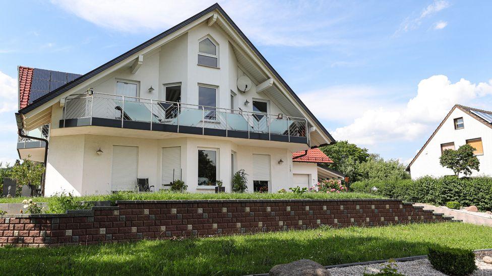 Lübcke home in Istha, 18 Jun 19