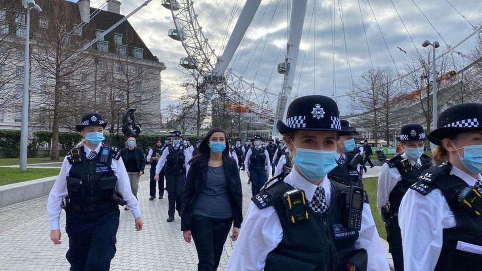 Met Police female officers