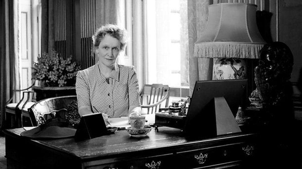 Who was Nancy Astor? - CBBC Newsround