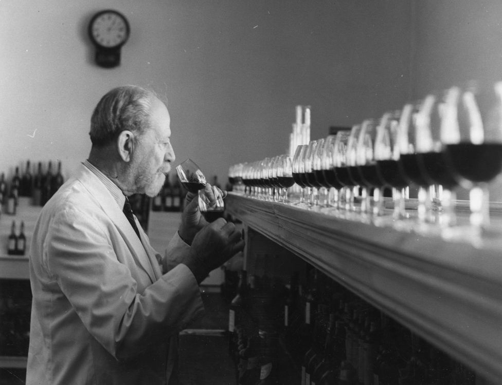 Tasting and blending Gonzalez Byass sherry in 1954