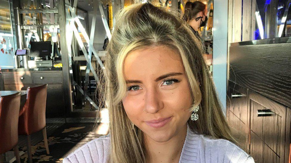 Naomi Hollas