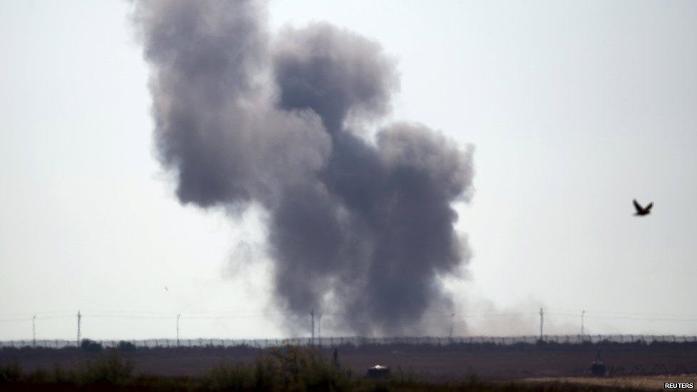 Smoke rises near Egypt's North Sinai province, near the border with Israel (1 July 2015)