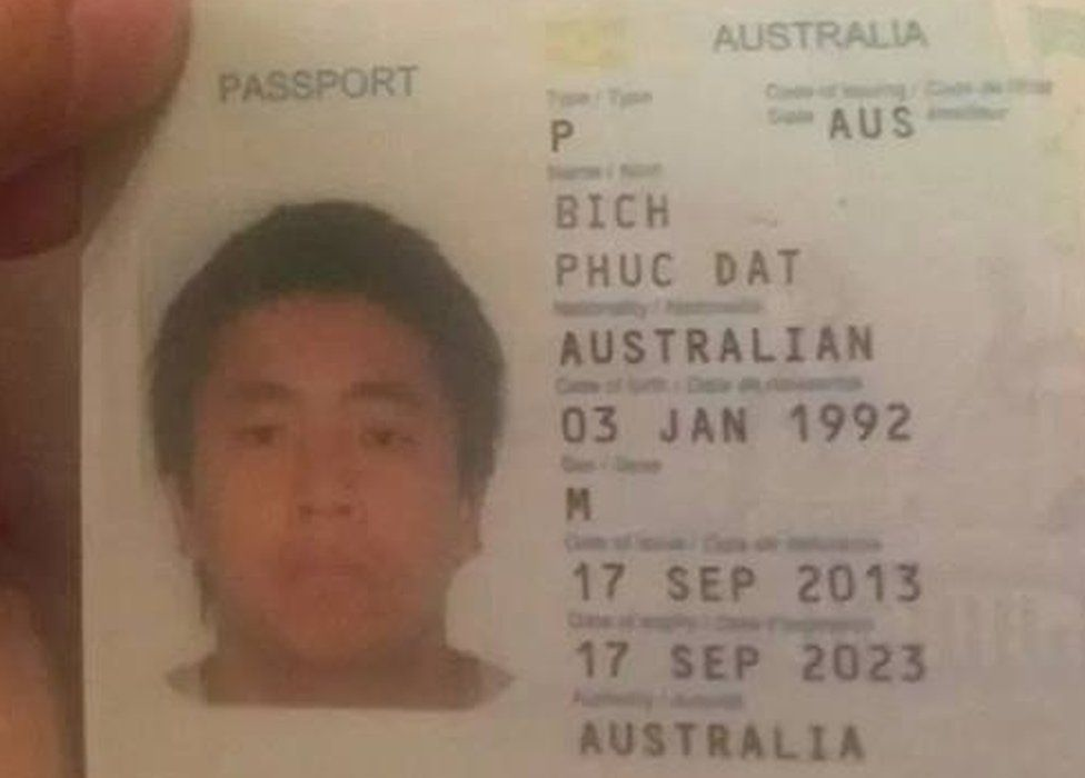 Picture of Phuc Dat Bich's passport
