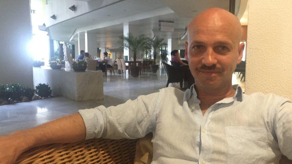 Dag Nylander in a Havana hotel lobby