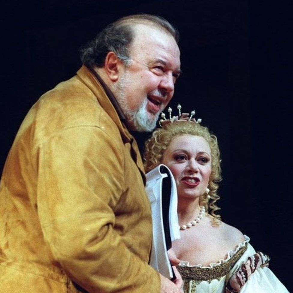 Peter Hall & Elaine Paige in 1998