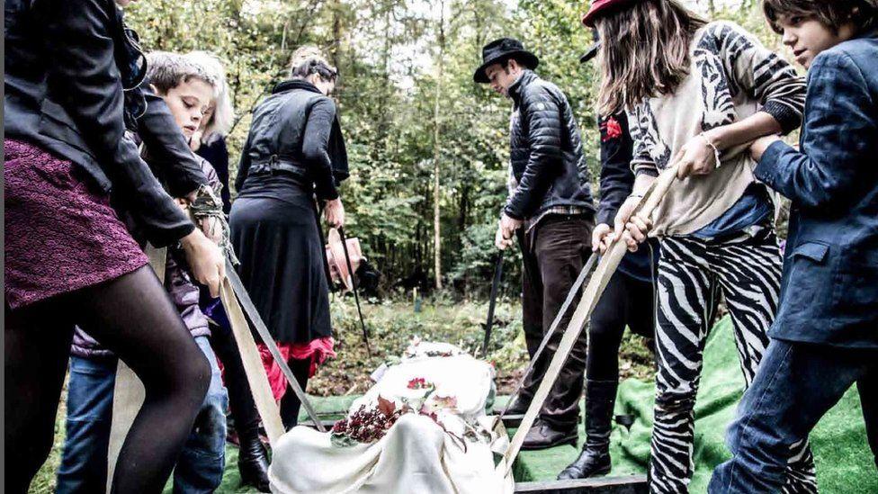 The woodland funeral of Caroline Barnett's former partner William