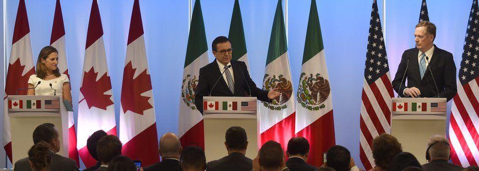 A press conference during Nafta talks