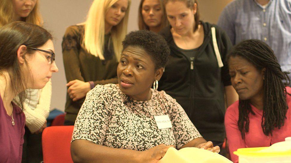 The hidden trauma of being torn during childbirth - BBC News