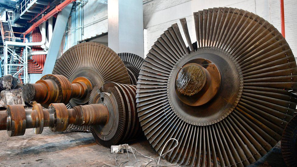 Giant machinery parts