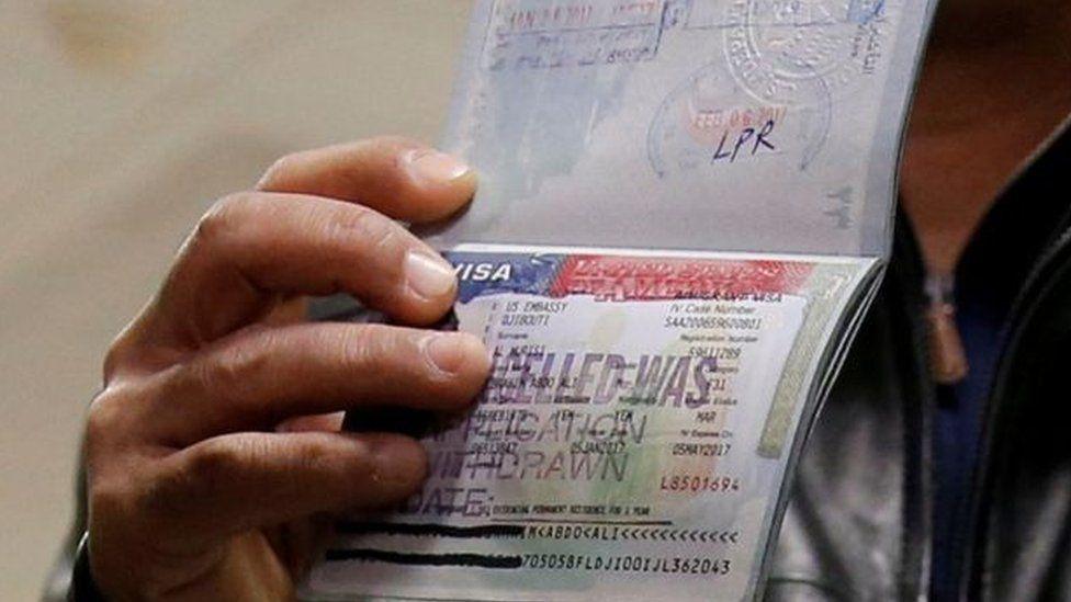 ترامب ينوي توسيع حظر السفر إلى الولايات المتحدة Bbc News Arabic