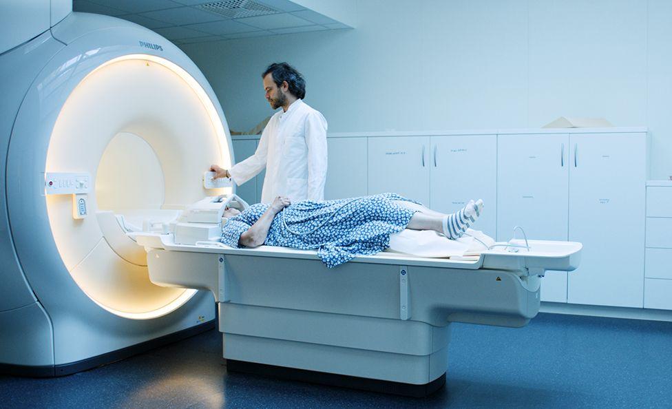 Carlotta having an MRI scan