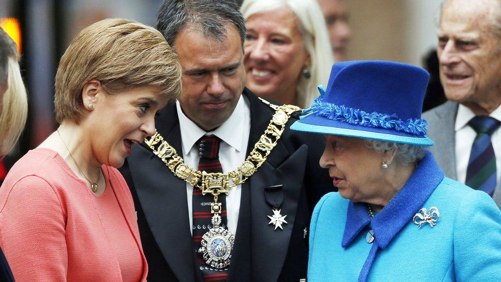 Nicola Sturgeon with the Queen