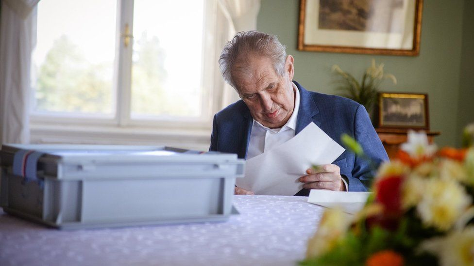 A photo from the Czech presidential press office showing Milos Zeman voting on Friday 8 October 2021