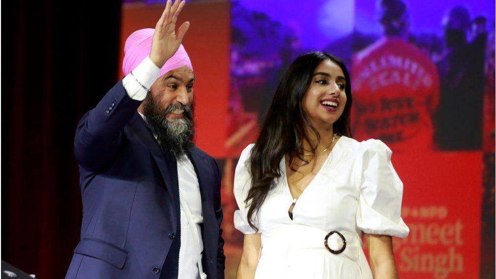 Jagmeet Singh speaks alongside his pregnant wife