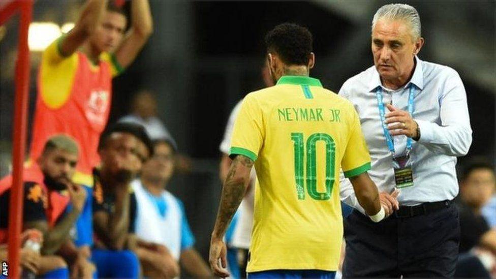 Neymar blessé en match amical contre le Nigeria