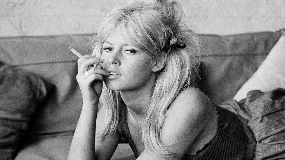 Brigitte Bardot smoking