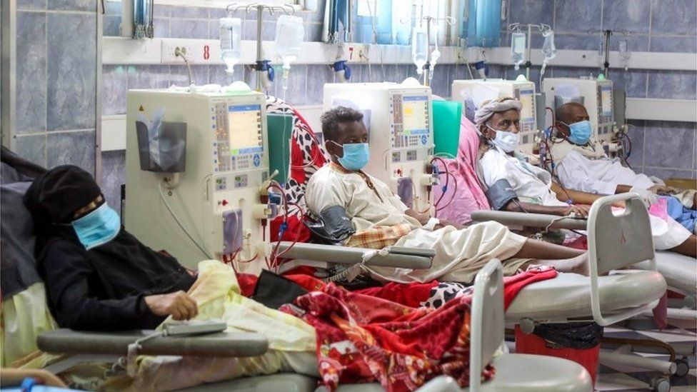 Patients suffering from kidney failure being treated in a hospital in Taez, Yemen (08/06/20)