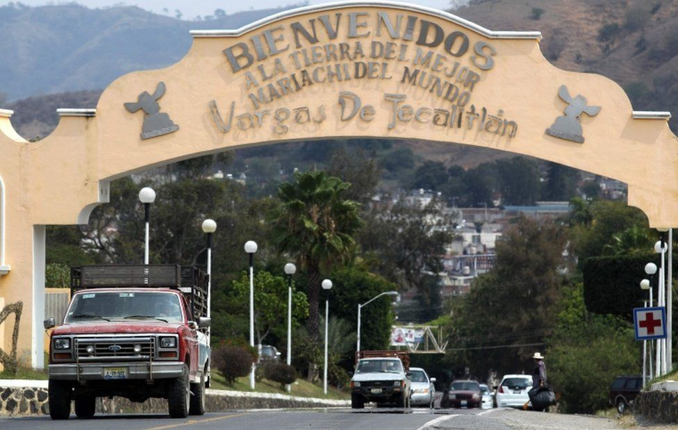 """A sign at the entrance to the town of Tecalitlán reads """"Welcome to the land of the best Mariachi in the world"""""""