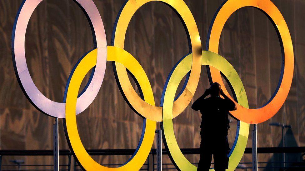Maior parte de benefícios de Olimpíadas vai para comitê e empreiteiras, diz pesquisador americano