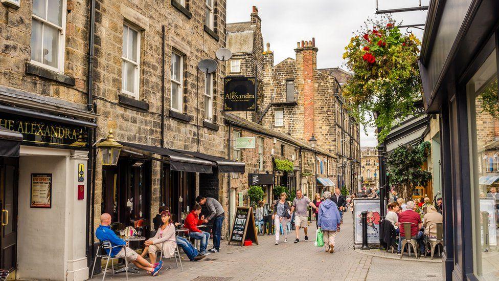 People shopping in Harrogate