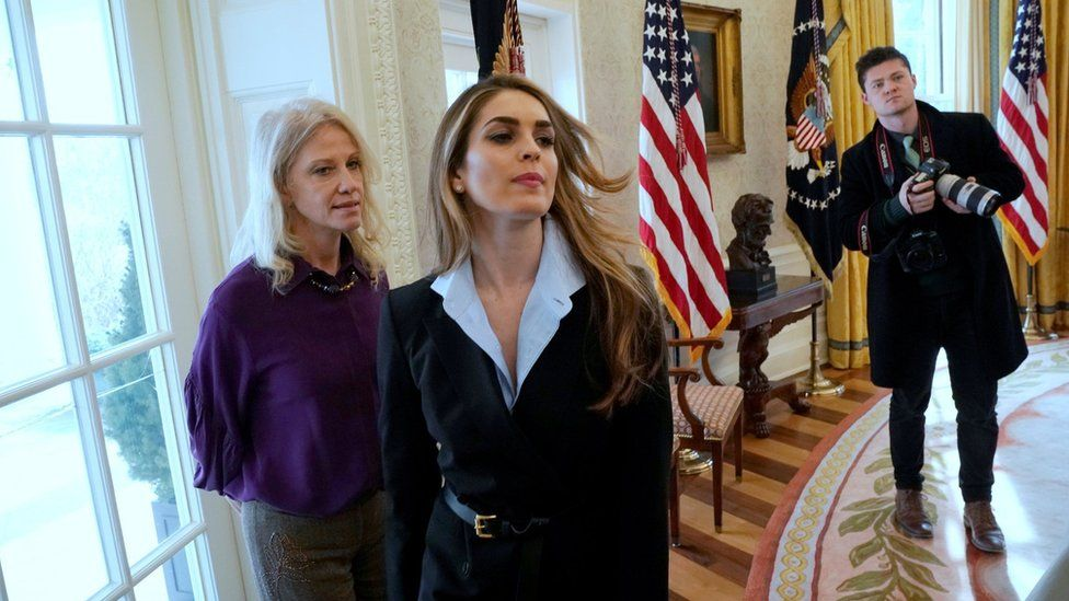 White House communications director Hope Hicks (C) in the Oval Office on 9 February 2018