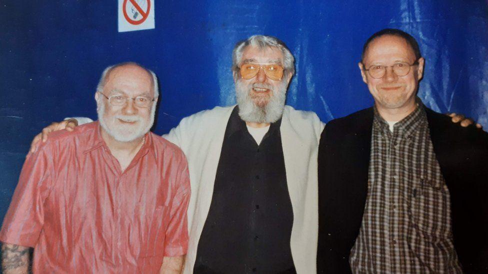 Lyn Ebenezer, Ronnie Drew o'r Dubliners ac Emyr yn 1999
