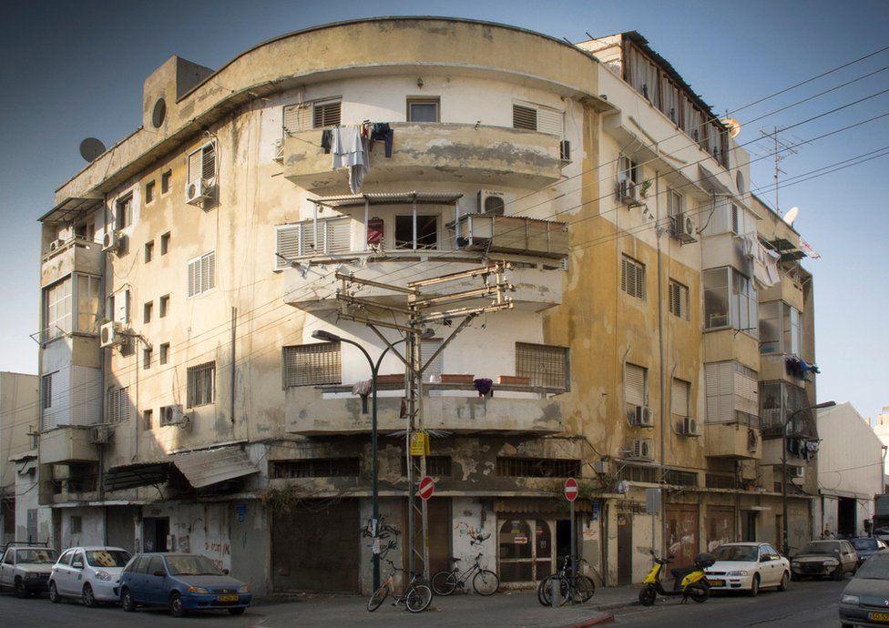 Bahuaus type architecture in Tel Aviv