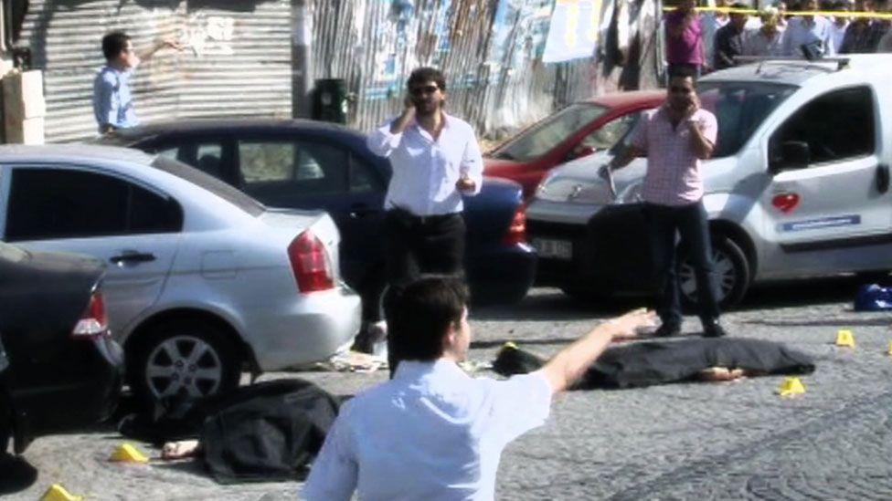 Bodies on the streets of Zeytinburnu