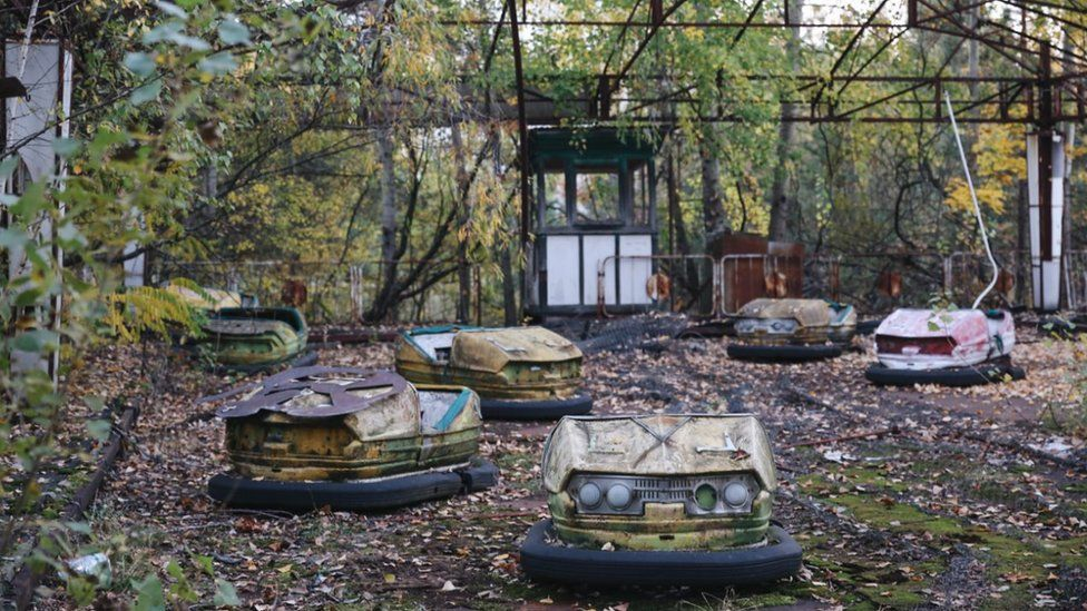 Chernobyl: The end of a three-decade experiment - BBC News