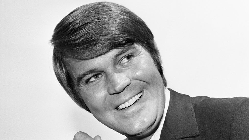 Glen Campbell backstage at the BBC's Top of the Pops in 1970