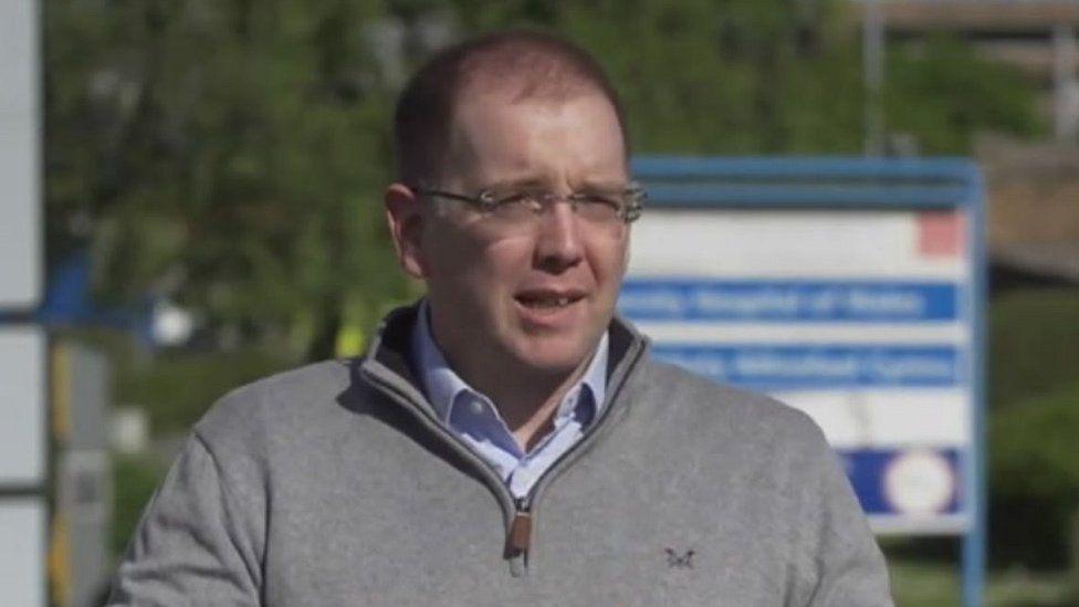 Dr Richard Skone