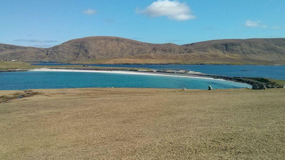 Bannaminn beach, Burra Isle