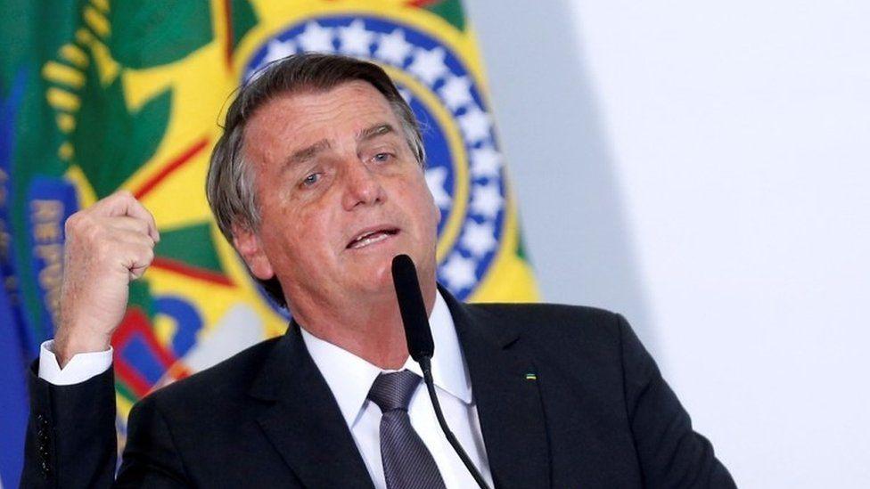 Brazil's Bolsonaro in hospital amid concern over chronic hiccups thumbnail