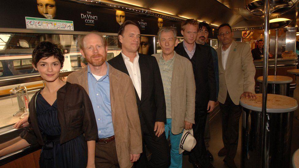 奥黛丽·塔图、导演罗纳德·霍华德、汤姆·汉克斯、英国著名影星伊恩·麦莱伦、保罗·贝坦尼、阿尔弗雷德·莫利纳和吉恩·雷诺。