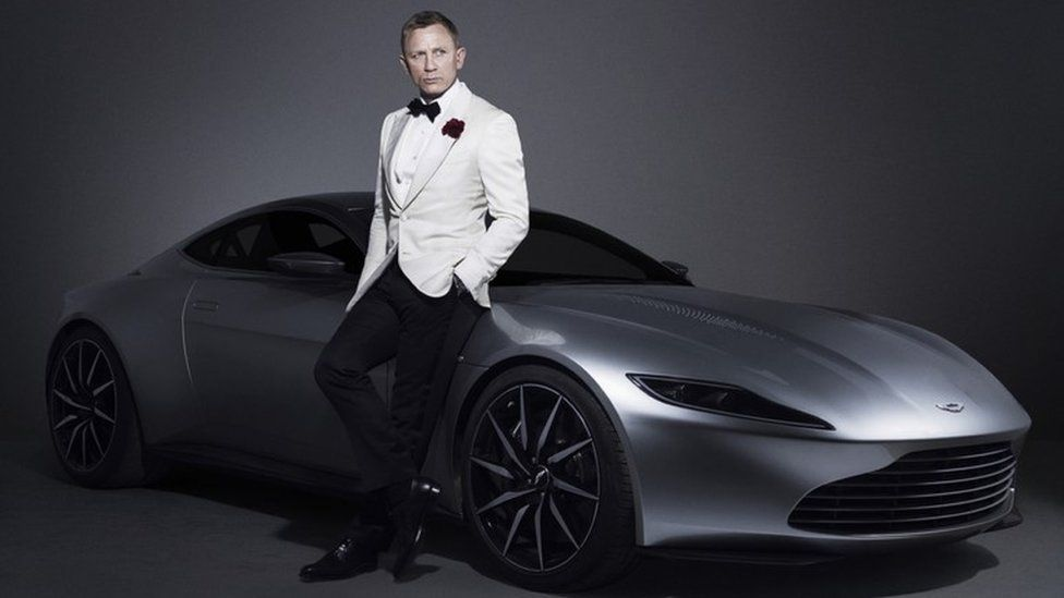 Daniel Craig and the Aston Martin used in the 2015 James Bond film, Spectre
