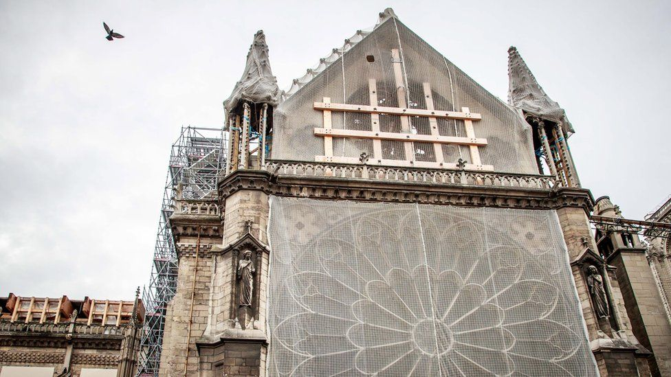 Notre Dame: General says architect should 'shut his mouth'