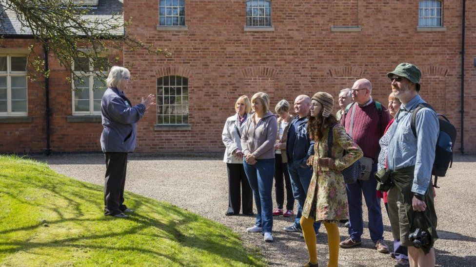 Tourists at the workhouse
