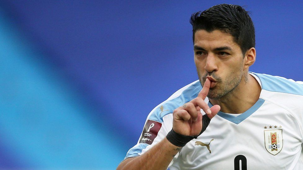 Suarez case: Juventus director probed over footballer's Italian exam (2020)