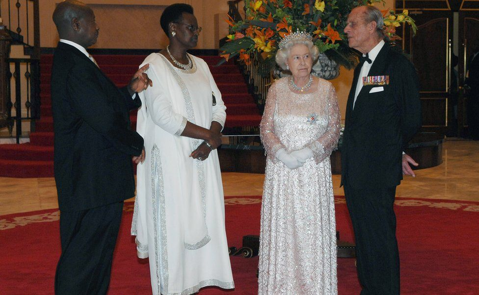 President of Uganda Yoweri Museveni, Janet Museveni, HRH Queen Elizabeth II and Prince Philip, The Duke of Edinburgh chat during a State banquet at State House on November 22, 2007 in Entebbe, Uganda.