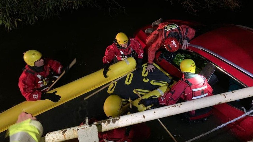 Flood rescue at Eversley