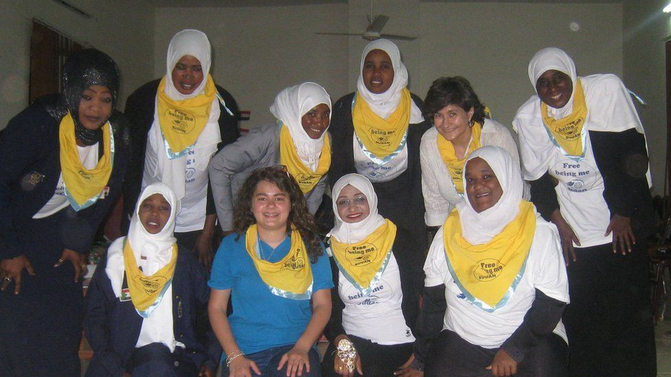 Sham and leader Rim with Girl Guides in Sudan