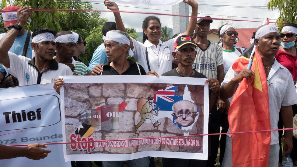 Hundreds of East Timorese activists rallied in 2016 outside the Australian embassy in Dili over the the Timor Sea boundary dispute
