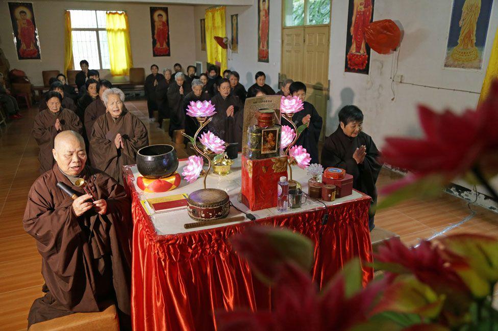 Chanting at the Xi Jiang temple