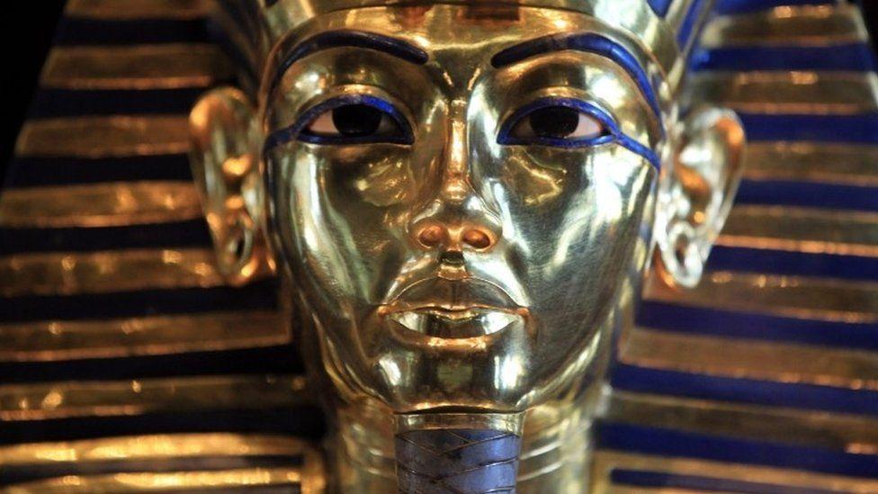 Burial mask of Tutankhamun