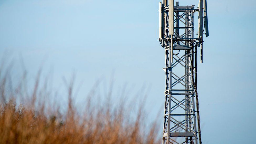 5G: Rural areas to be allowed taller and wider masts thumbnail