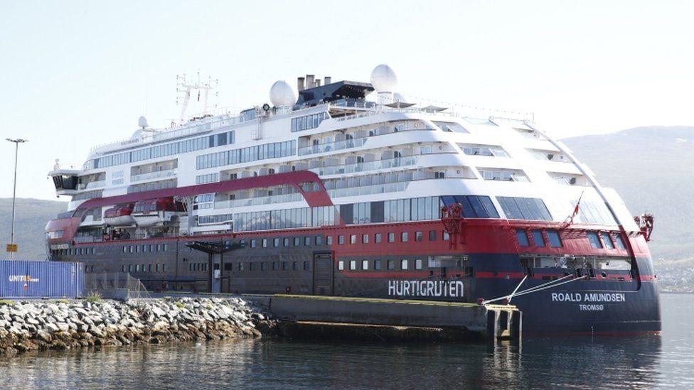 Image shows the MS Roald Amundsen cruise ship
