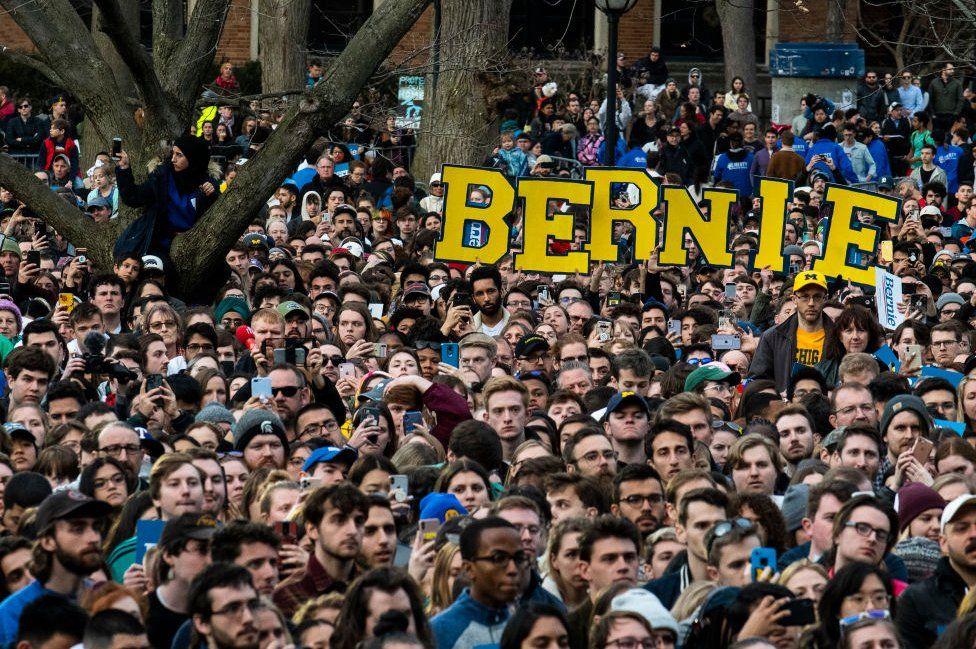 Huge Sanders crowd