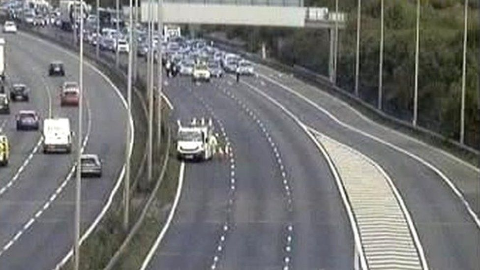 M1 between junction 20 and 21 in Leicestershire