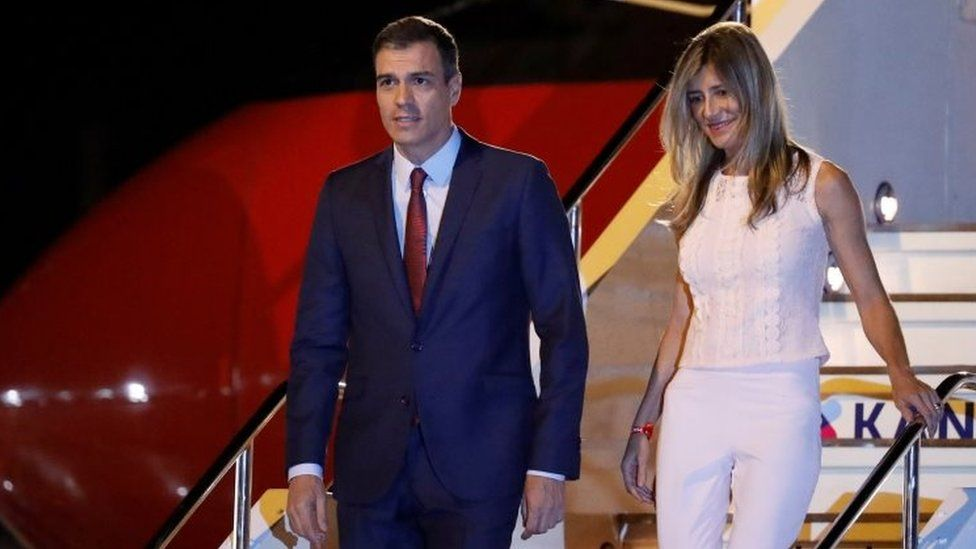 Prime Minister Pedro Sánchez (left) and his wife Begoña Gómez. Photo: June 2019
