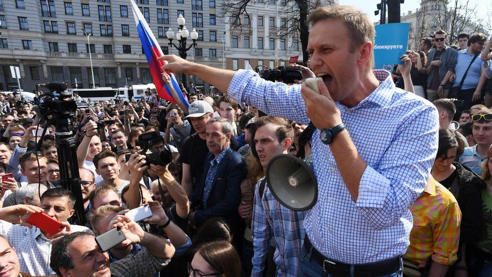 Alexei Navalny addresses supporters at an anti-Putin rally in Moscow